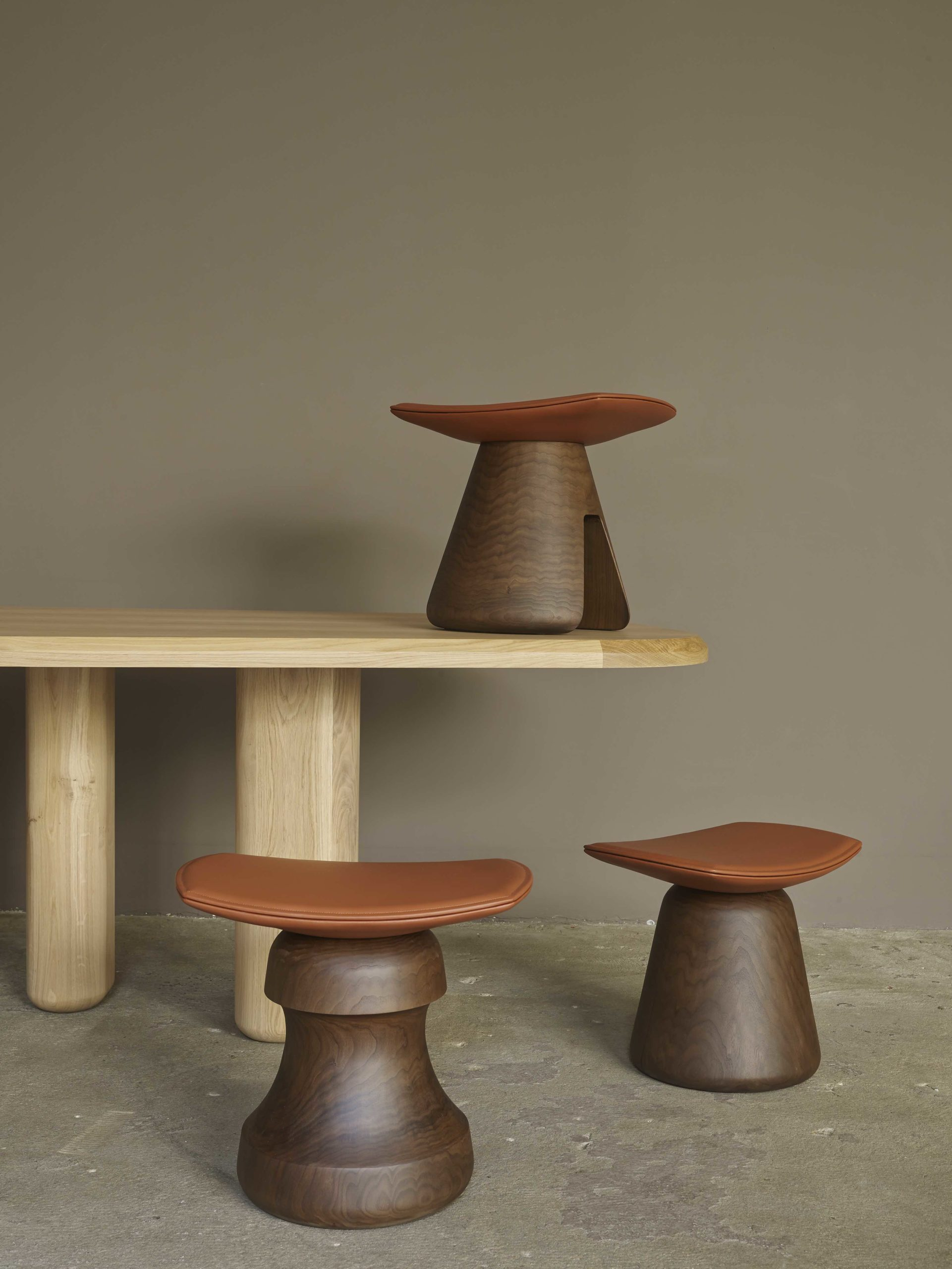 STOOLS-fou-roi-mat-design-christophedelcourt#collection-particulière