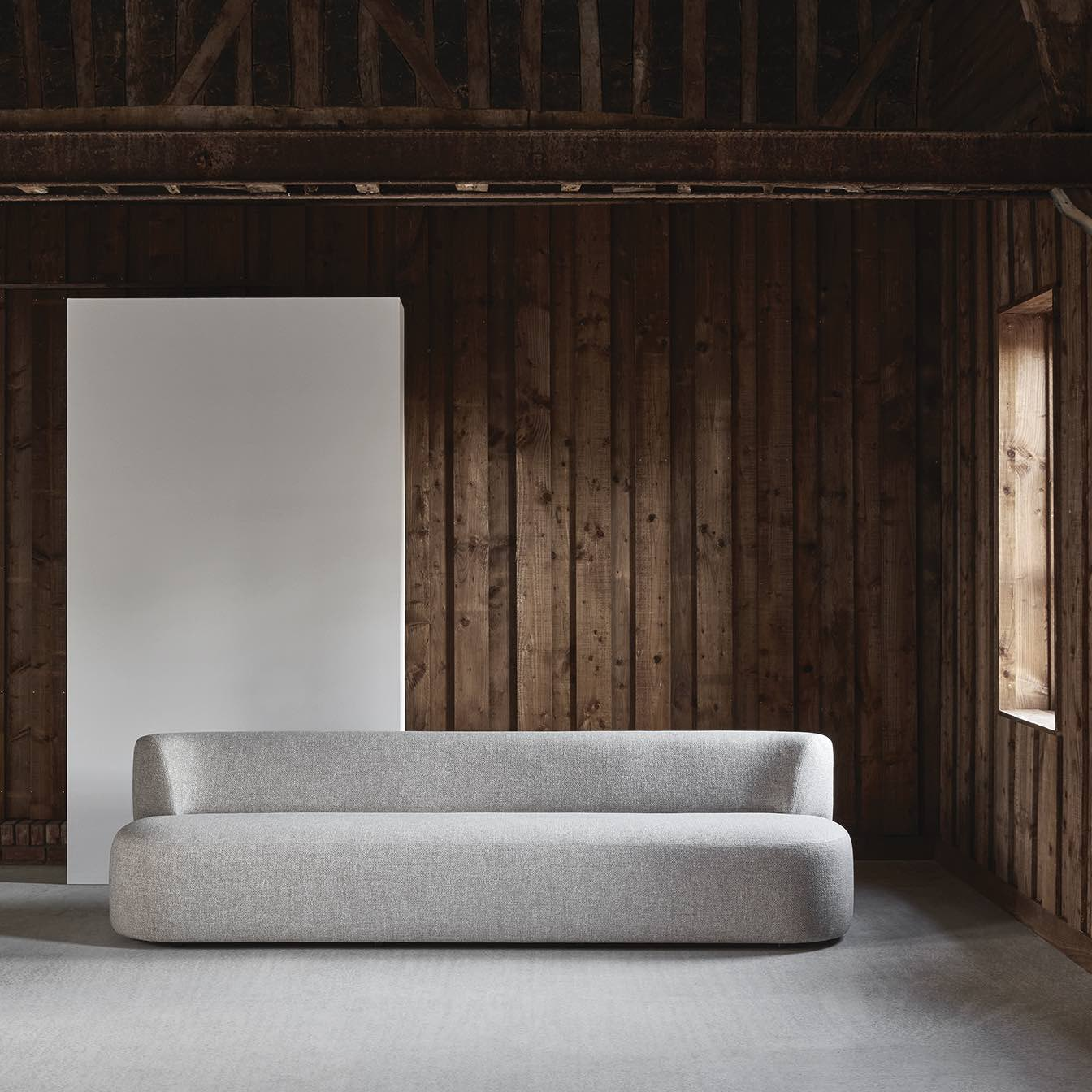LEK-straight-sofa-christophe-delcourt-Collection-Particuliere