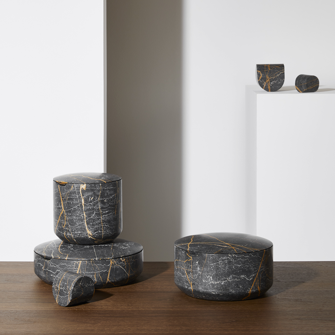 CAIRN-containers-christophe-delcourt-collection-particuliere