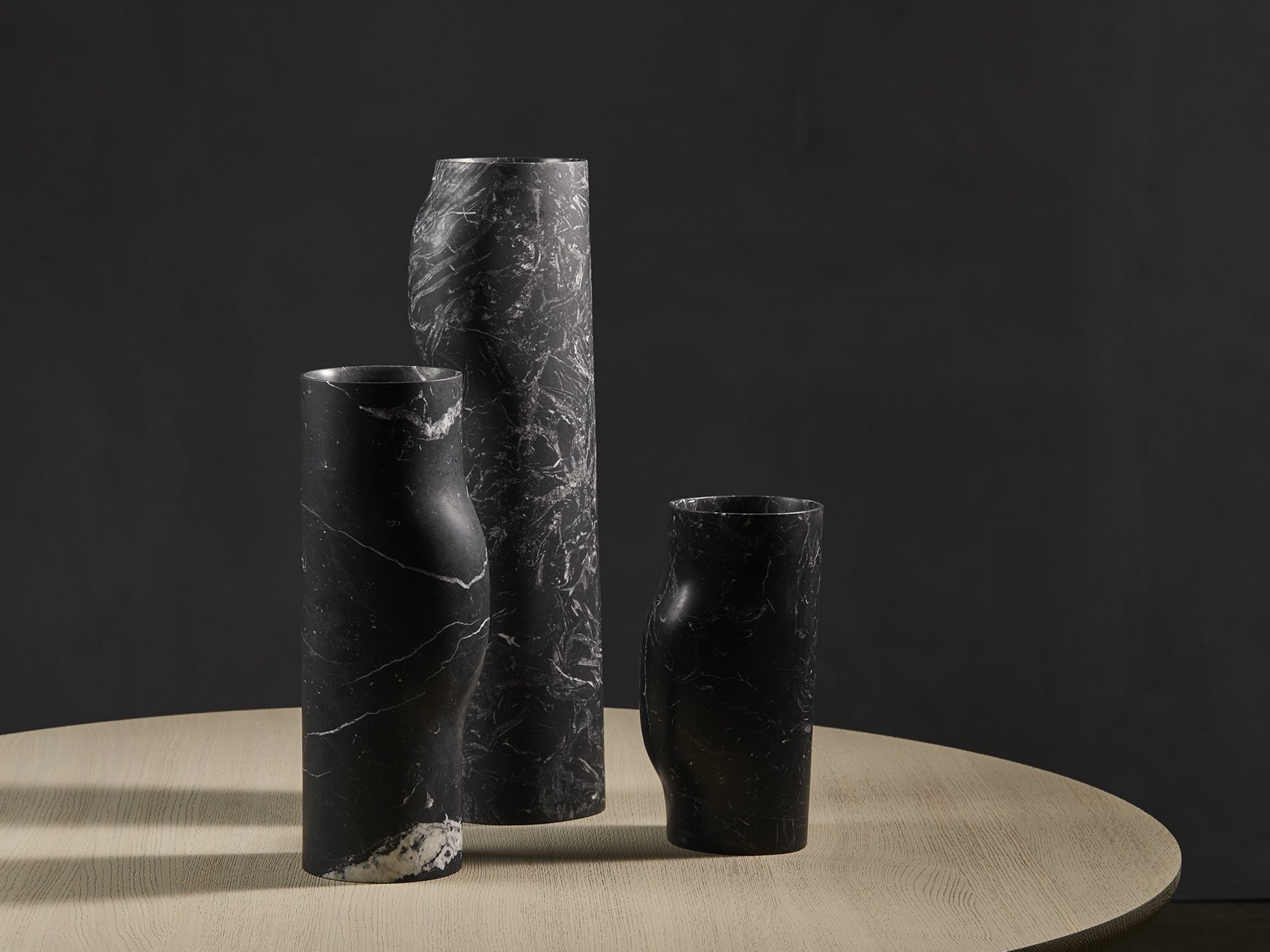 BOS-vases-nero-Marquina-Christophe-Delcourt-Collection_Particuliere