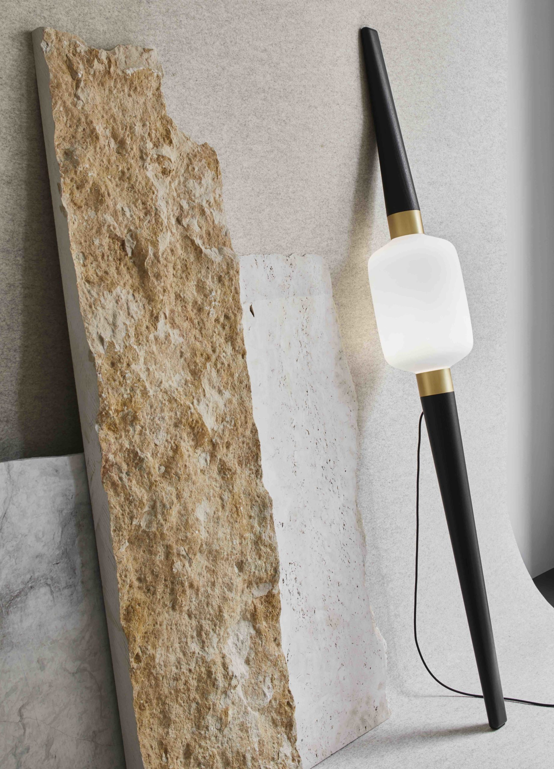 Collection-particuliere-B-LIGHT-floorlamp-Dan-Yeffet