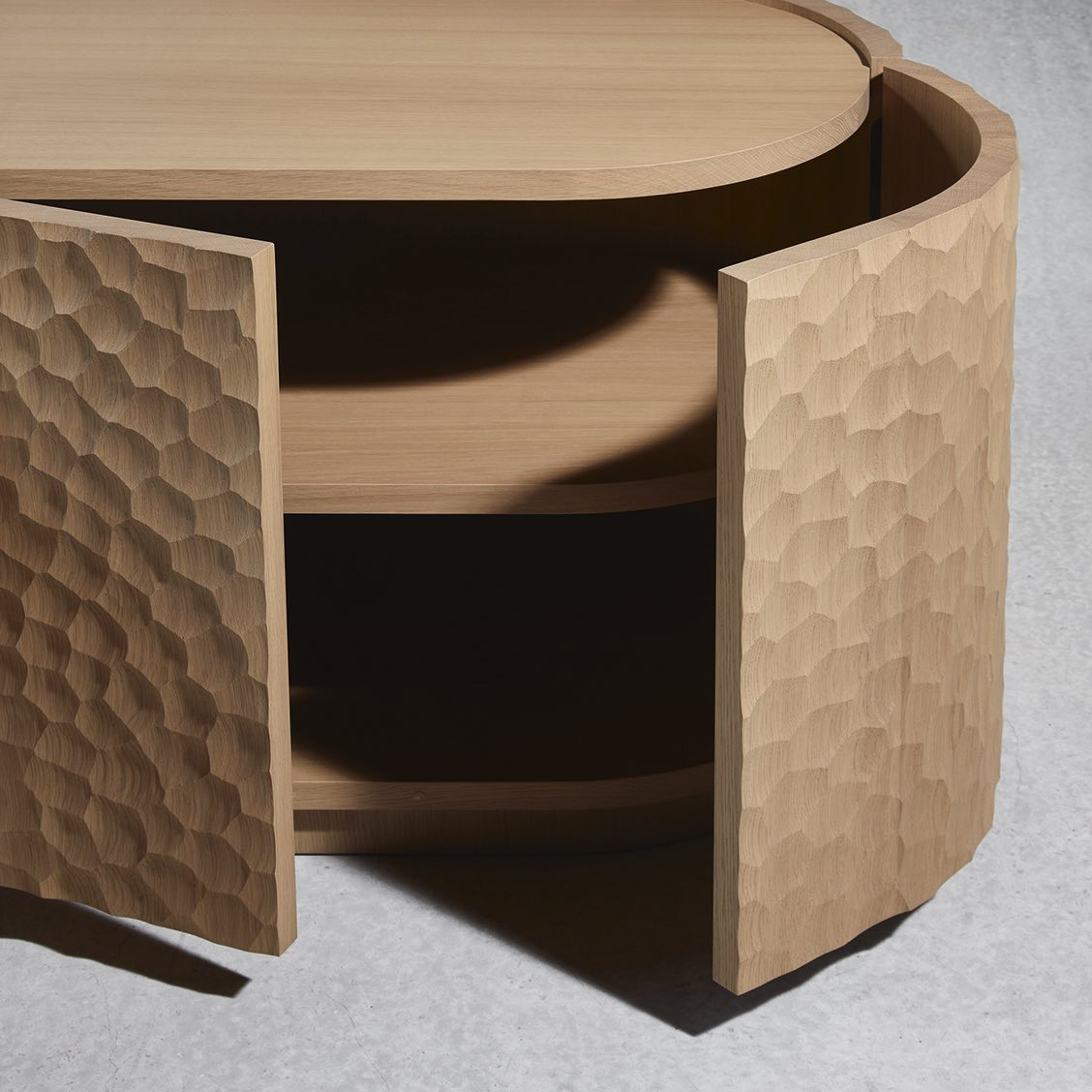 AFA-sideboard-C_Delcourt-open-doors-Collection_Particuliere
