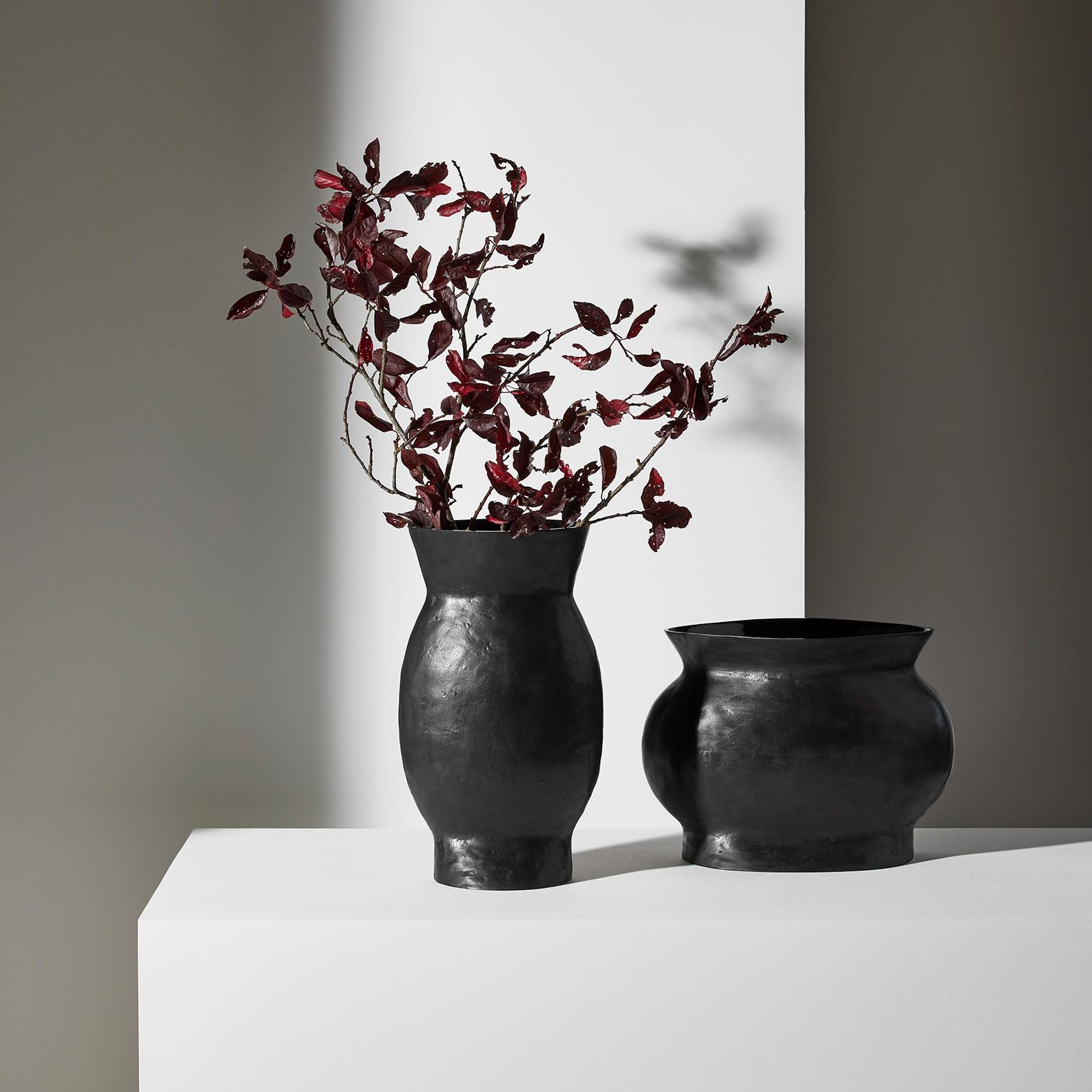 CANDY-vases-black-patinated-bronze-dan-Yeffet-Collection-Particuliere